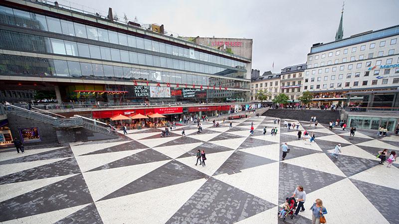 Hvilke kjøpesentre skal du besøke? - Svenskene elsker å handle, og innbyggerne i Stockholm er ikke noe unntak. Dette bærer byen preg av, og det er flere gode handlegater i byen og ikke minst…