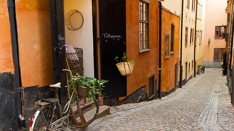 Anbefalte vintagebutikker med spennende utvalg - Med så mange forretninger og butikker som finnes i Stockholm er det ikke annet enn naturlig at det også finnes flere vintagebutikker, flere av dem svært gode og…