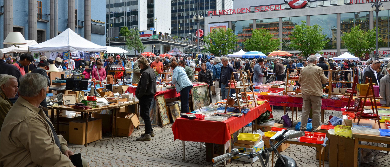 vintage-stockholm-klaer-shopping-loppemarked