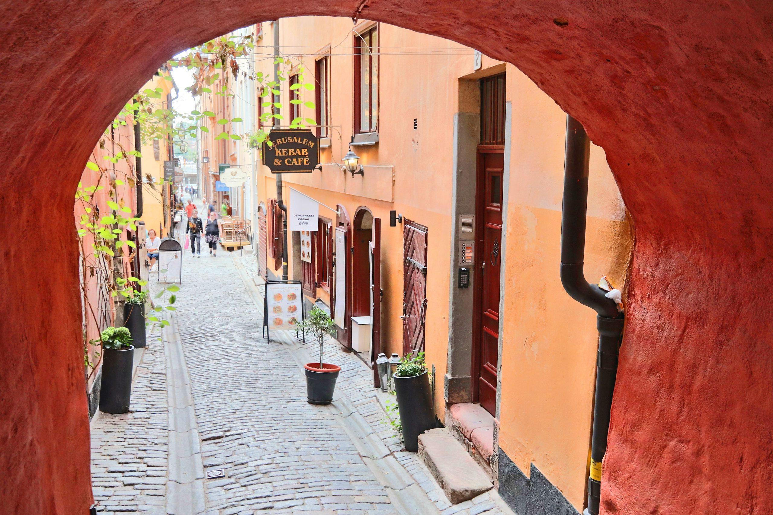 kostnader leilighet Stockholm Sverige flytte tips
